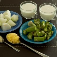 Ingredientes para o creme de aspargos