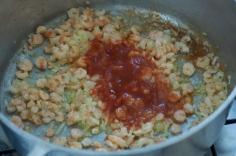 Acrescente o molho de tomates