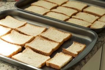 Torre o pão no forno