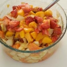 Pique as frutas