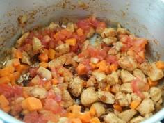 junte cenoura e tomate
