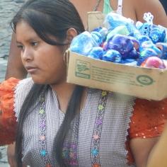 Vendedora na praça