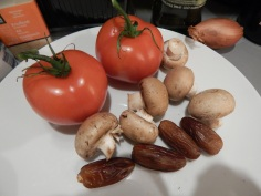 Tomates, cogumelos e tâmaras