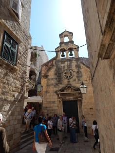 Muitas igrejas