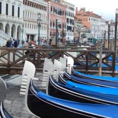 Gondolas no porto