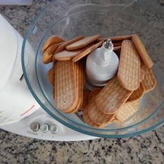 Triture o biscoito
