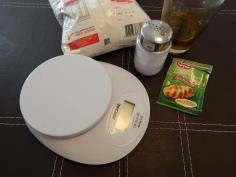 Balança e ingredientes