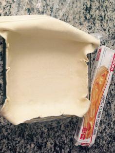 coloque a massa no refratário