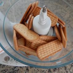 Bata os biscoitos
