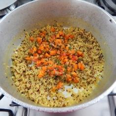 Junte à quinoa cozida