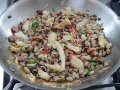 Misture o feijão, junte a cebolinha