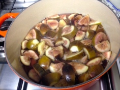 Figos cozinhando