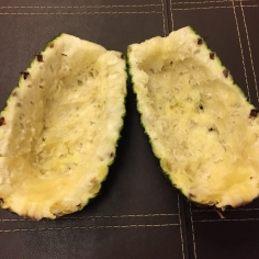 REtire a polpa dos abacaxis