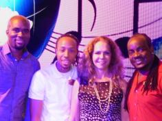 Com os músicos jamaicanos do Groove