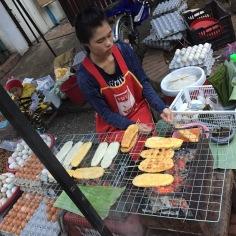 Feira de rua no interior do Vietnã